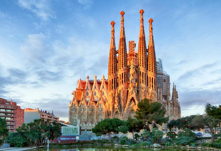 Виза в Испанию от EATRAVEL